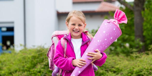 Mädchen mit Schultüte